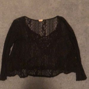 Lace quarter length top from hollister in navy